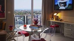 Bay Executive Suite Balcony