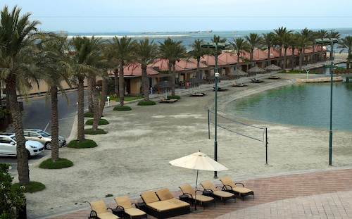 Al Bander Hotel & Resort,