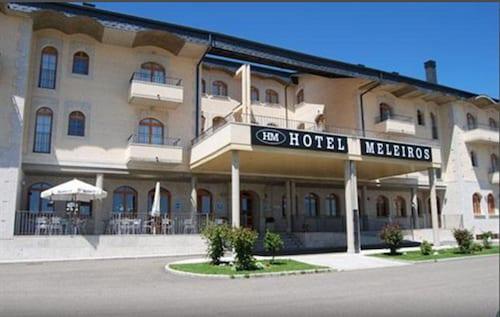 . Hotel Meleiros