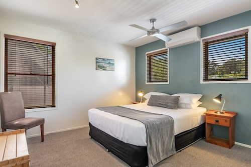 . Byron Central Apartments