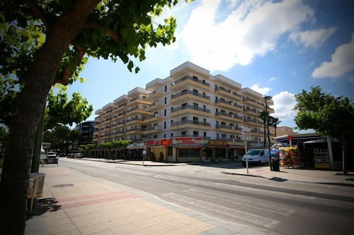 El Lago Apartments, Baleares
