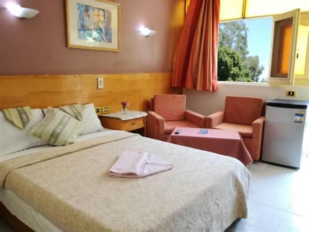 Rezeiky Hotel And Camp Luxor, Luxor