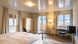 Superior Tek Büyük Yataklı Oda, Balkon, Dağ Manzaralı