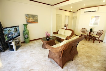 Mermaid Resort Puerto Galera Living Room