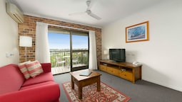 Executive Apartment, 1 Bedroom, Kitchen, Garden View