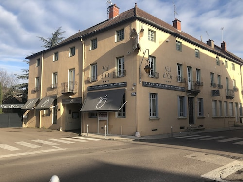 . Hôtellerie du Val d'Or