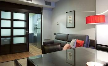 Suites Center Barcelona Apartments - Living Area  - #0
