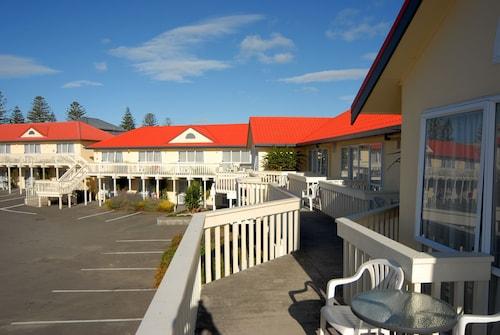 BK's Fountain Court Motor Inn, Napier