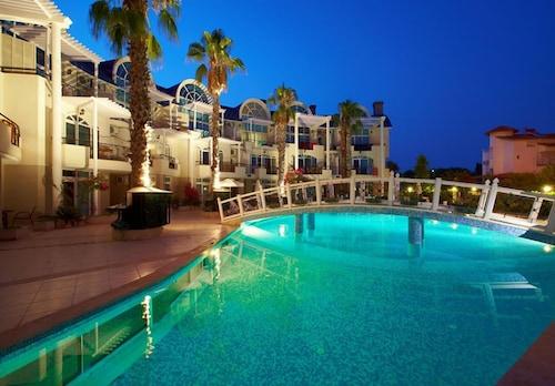 . Seahorse Deluxe Hotel