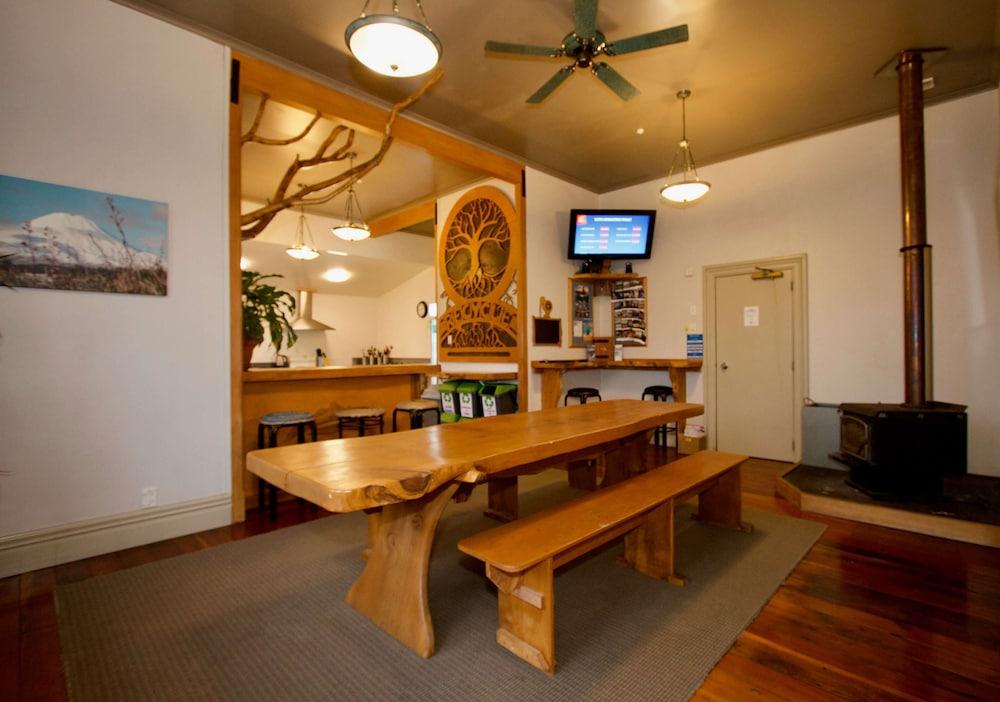 Station Lodge - Hostel