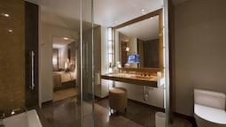 Room, City View