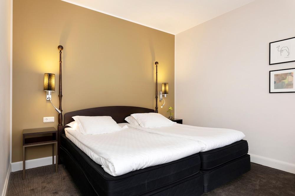 https://i.travelapi.com/hotels/4000000/3790000/3784900/3784843/281afa0e_z.jpg