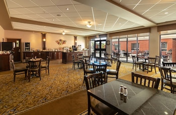 Hotel - The Kanata Inns