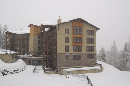 Trickle Creek Condos, East Kootenay