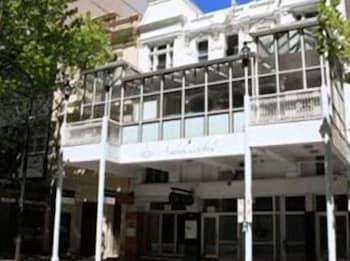 Hotel - Ambassadors Hotel