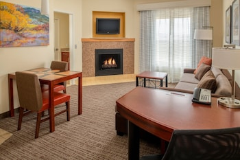 Suite, 1 Bedroom, Fireplace, Corner