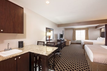Kitchenette Room, 2 King Beds, Non Smoking