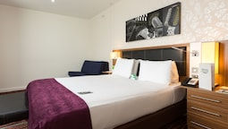 Room, 1 Double Bed, Accessible, Bathtub (mobility)