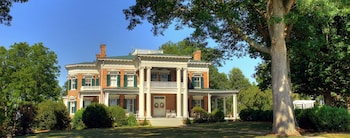 Rockwood Manor - Featured Image  - #0