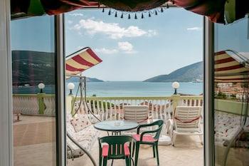 Studio, Terrace, Sea View