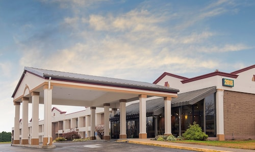 . Red Roof Inn & Suites Mt Holly - McGuire AFB