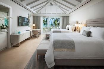 Room, 2 Queen Beds, Balcony, Oceanfront