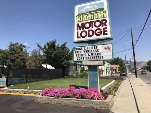 . Klamath Motor Lodge
