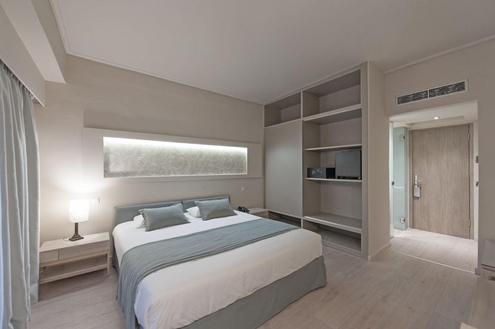 https://i.travelapi.com/hotels/4000000/3810000/3804700/3804645/c9e48113_z.jpg