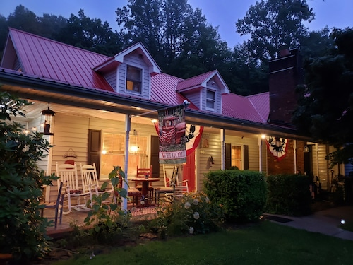 . Blue Ridge Manor Bed and Breakfast