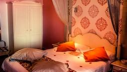 Superior Room, Sea View (romance)
