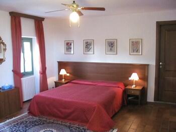 Standard Apartment, Kitchen