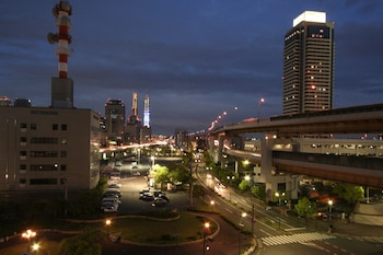 KOBE PORT TOWER HOTEL View from Property