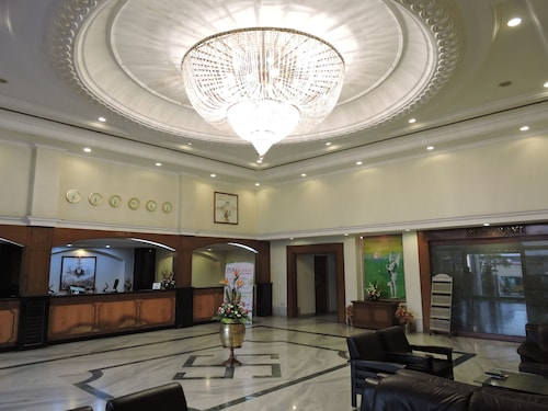 . Hotel PLR Grand