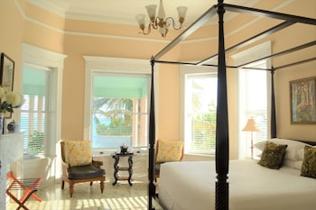 Southernmost House King Ocean View Room 202