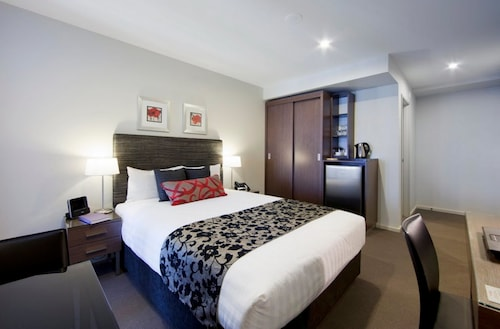 . Adina Serviced Apartments Canberra Dickson