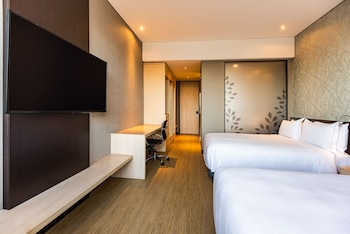 Room, 2 Double Beds, Accessible (Roll-In Shower)