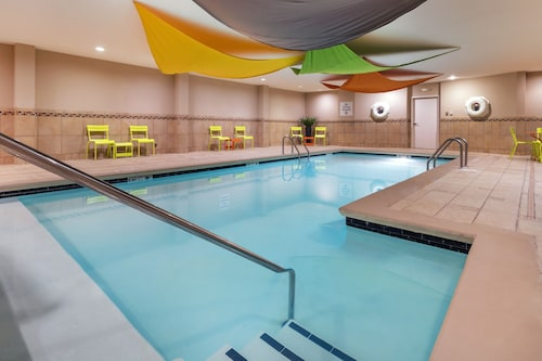 . Holiday Inn Express Hotel & Suites Hays