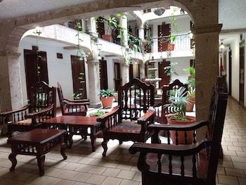 Hotel - Hotel Don Quijote Plaza