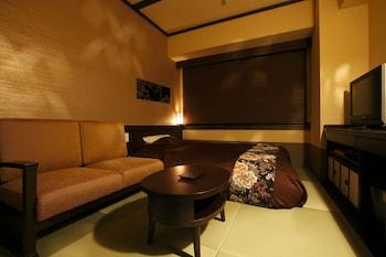 セミダブルルーム(禁煙)|飛騨 花里の湯 高山桜庵