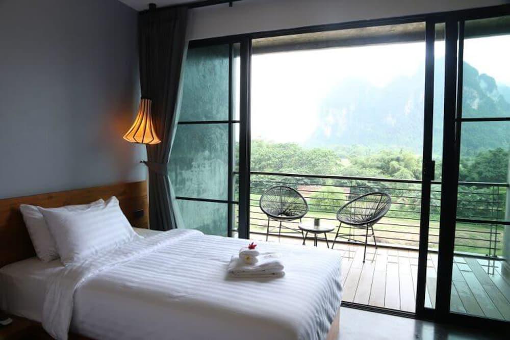https://i.travelapi.com/hotels/4000000/3850000/3846900/3846873/3e551c29_z.jpg