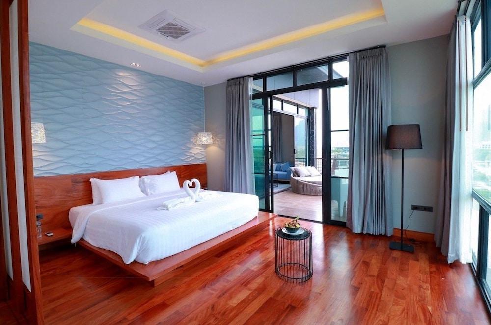 https://i.travelapi.com/hotels/4000000/3850000/3846900/3846873/594b964f_z.jpg
