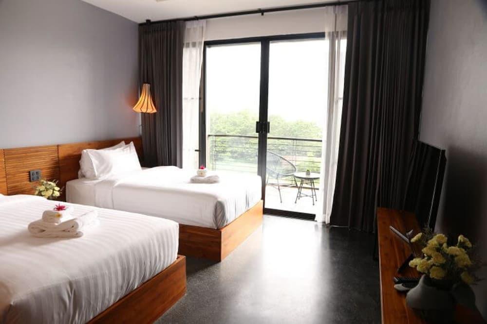 https://i.travelapi.com/hotels/4000000/3850000/3846900/3846873/de8d24ea_z.jpg