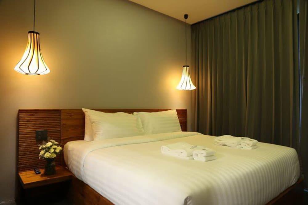 https://i.travelapi.com/hotels/4000000/3850000/3846900/3846873/f005e6be_z.jpg