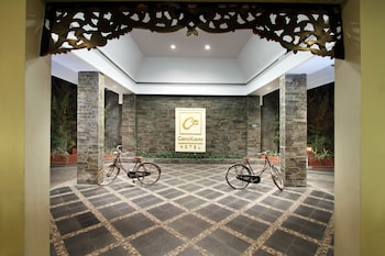 チャクラ クスマ ホテル
