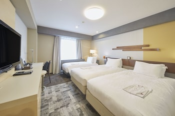 Twin Room (2 Single Bed + 1 Sofa Bed), Non Smoking