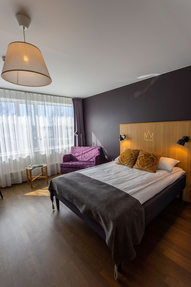 https://i.travelapi.com/hotels/4000000/3850000/3848400/3848322/8daec16a_z.jpg