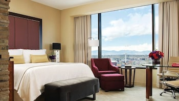 Deluxe Room, 1 King Bed (Mountain)
