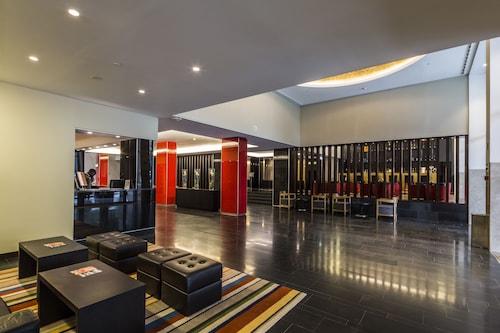 Hotel Trópico, Ingombota