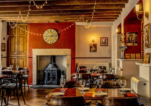 . Forresters Bar & Restaurant With Rooms