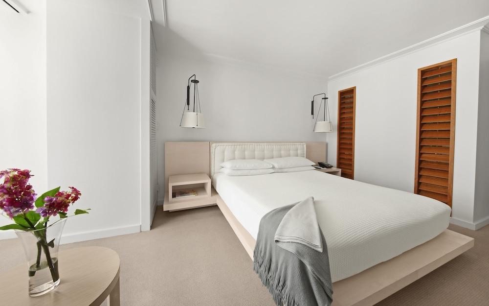 The modern honolulu by diamond resorts classic vacations - 2 bedroom suites in honolulu hawaii ...